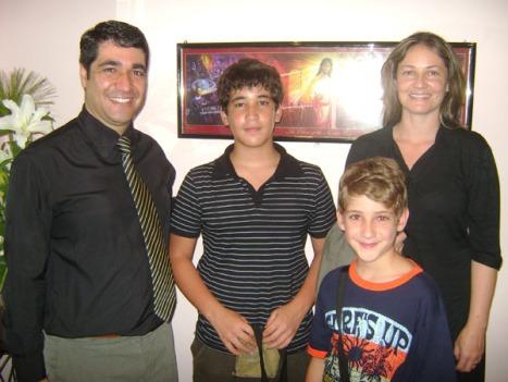 Pastor Helbert e sua família